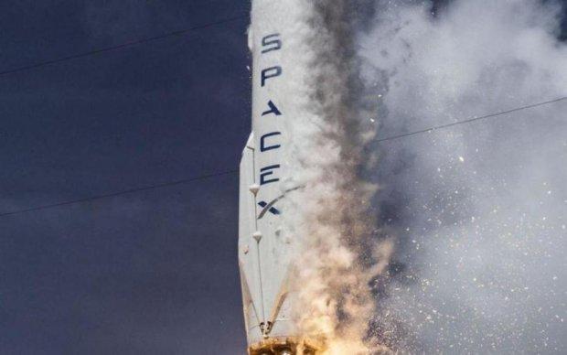 Маск запустить чергову ракету в космос: онлайн-трансляція