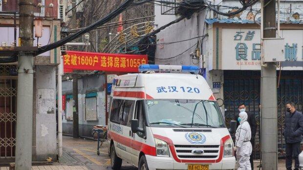 Китайский коронавирус забрал жизнь легендарного доктора, спасшего сотни инфицированных
