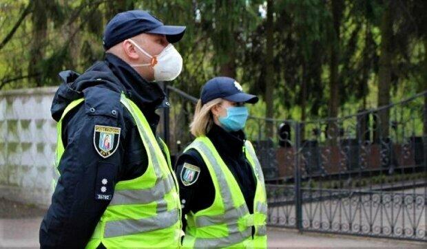 """На Прикарпатье мужчина сжег бумажку и теперь ему грозит 7 лет: """"Проклятые местные выборы"""""""