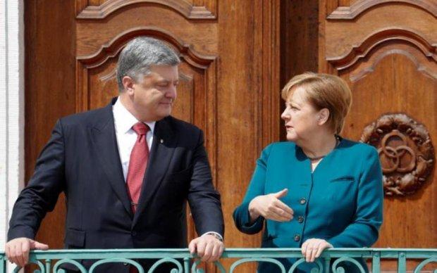 Порошенко розкрив подробиці переговорів з Меркель