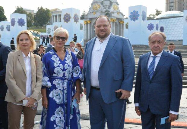 Нардепи, парад - фото ВРУ