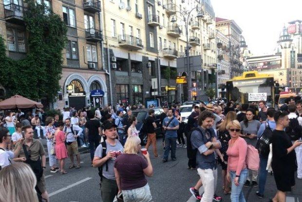 У Києві активісти перекрили центральну вулицю