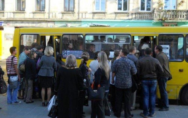 Відмова від маршруток: що заважає українським містам стати сучасними