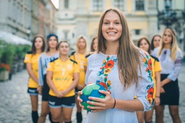 Львівські гандболістки привітали українців з Днем вишиванки і закохали в себе всіх чоловіків - розумниці, красуні і справжні патріотки