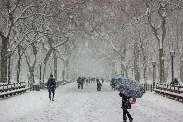 """Первый снег и резкие заморозки, украинцев предупредили: """"Ждите аномалию"""""""