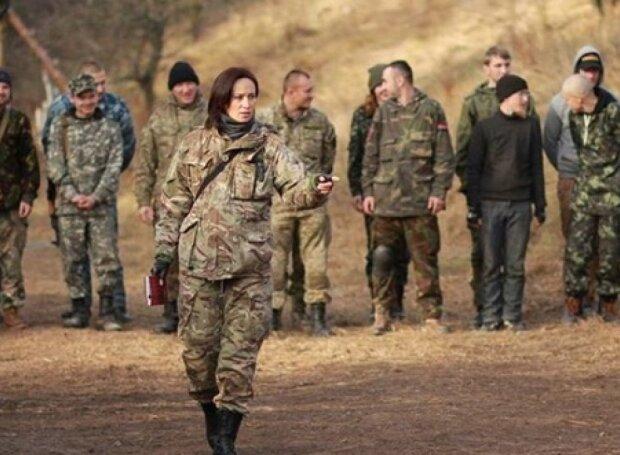 """Маруся Звіробій знову накинулася на Зеленського: """"Путін навіть капці зробить президентом"""""""