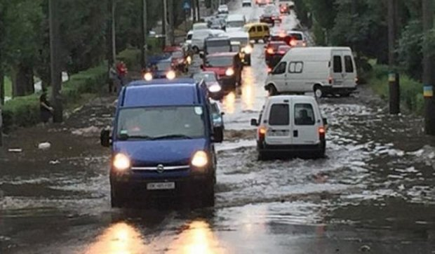 Захід України далі потерпає від страшних злив (фото)