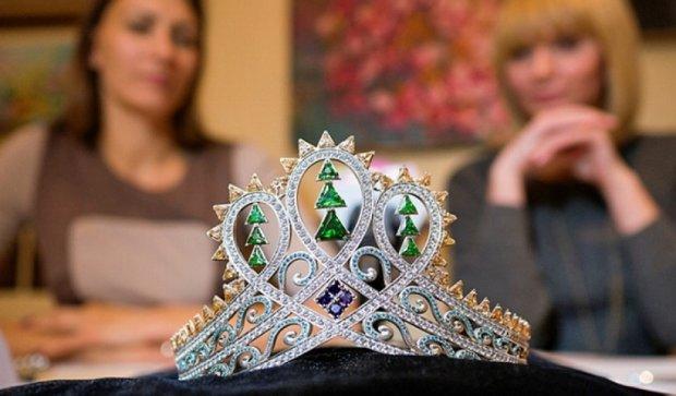В Ужгороде показали корону для самой красивой жительницы Закарпатья (фото)