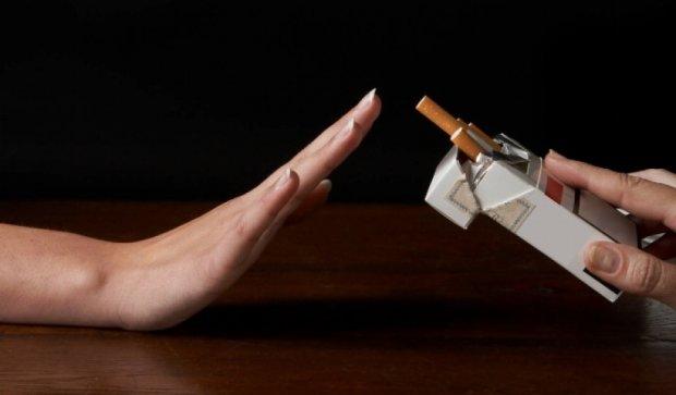 В Тернополе курильщикам будут раздавать конфеты