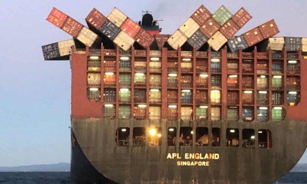 Вантажне судно APL, фото - The Guardian