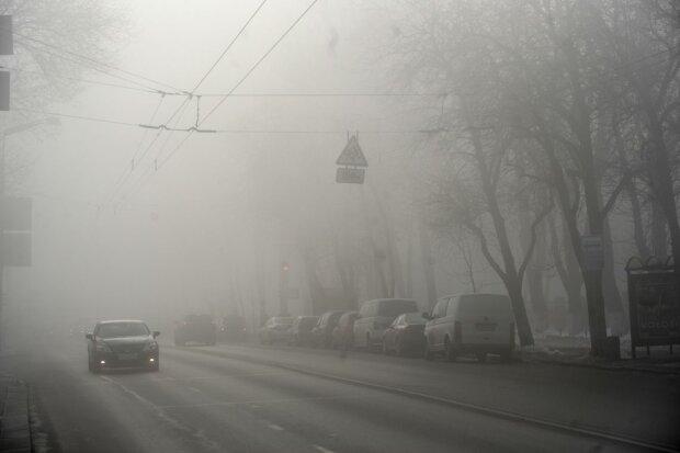 Сайлент Хилл позавидует Киеву: водителей предупредили о смертельной опасности