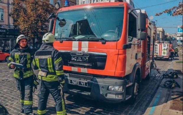 Жахливе полум'я поглинуло популярний ресторан в центрі Києва: подробиці