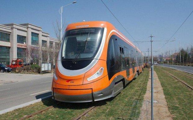Китайці показали світу безпечний трамвай