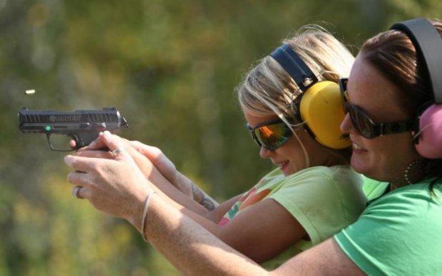 Специалисты назвали главных жертв легализации оружия. Вы удивитесь