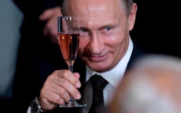 Хуже татарина: Путин решил неожиданно нагрянуть на свадьбу известного политика