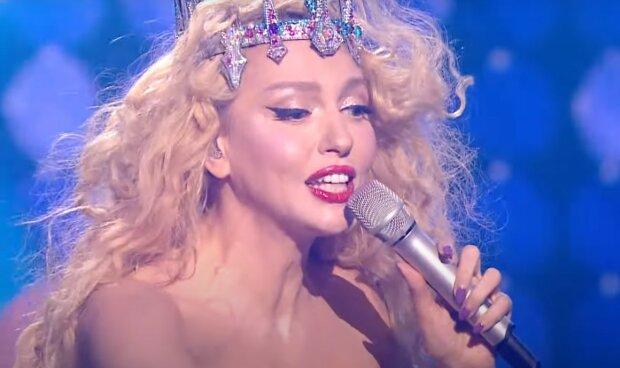 Оля Полякова, скриншот из видео