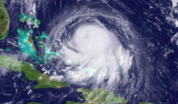 """""""Повінь тисячоліття"""": на Багамах затонуло судно, є загиблі"""