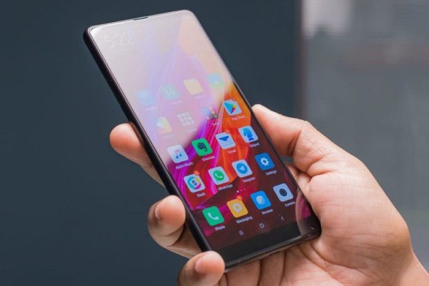 Поза конкуренцією: Xiaomi Mi Mix 3 назвали вбивцею iPhone XS Max
