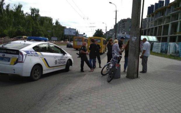 Переполненная маршрутка залетела под грузовик: подробности жуткого ДТП под Харьковом