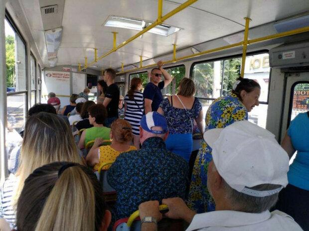У Запоріжжі тролейбуси змінили маршрут: як тепер доїхати на роботу