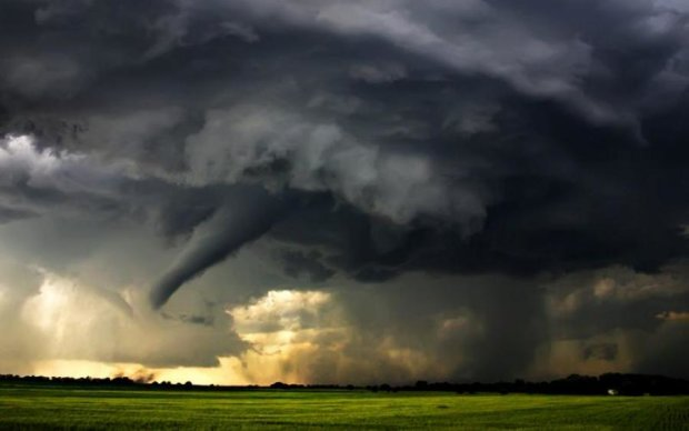 У Росії пронісся потужний торнадо: відео