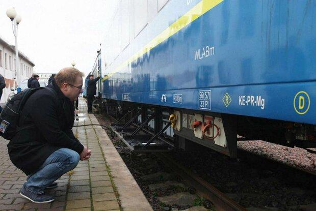 """Львів'янин вирішив на власному прикладі показати Одеській залізниці, що значить """"українізація"""": дуже повчально"""