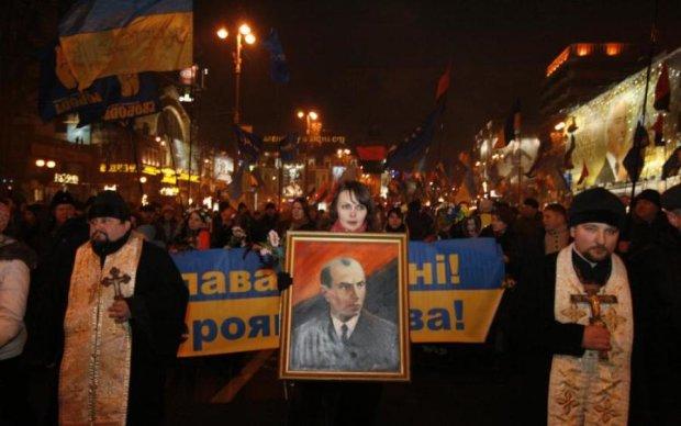 Украина в огне: городами прокатились марши в честь Бандеры