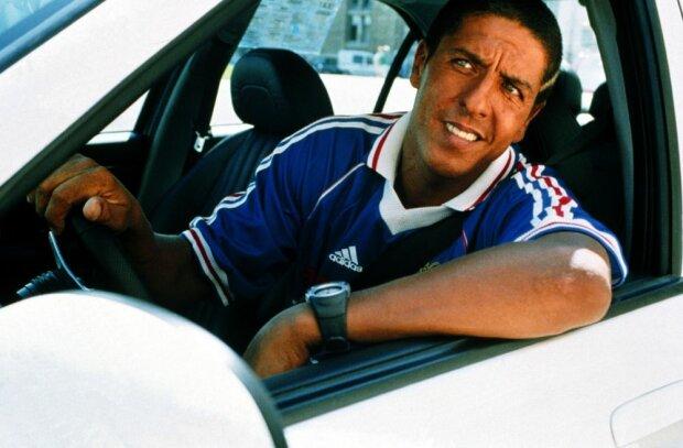 """""""Навіть шашечки марсельські!"""": у Запоріжжі помітили авто з легендарного фільму """"Таксі"""""""