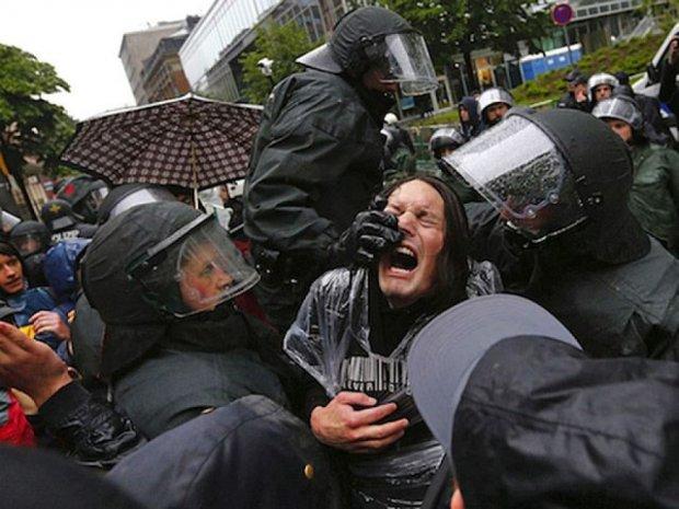 У Франкфурті агресивні протестуючі поранили 88 силовиків
