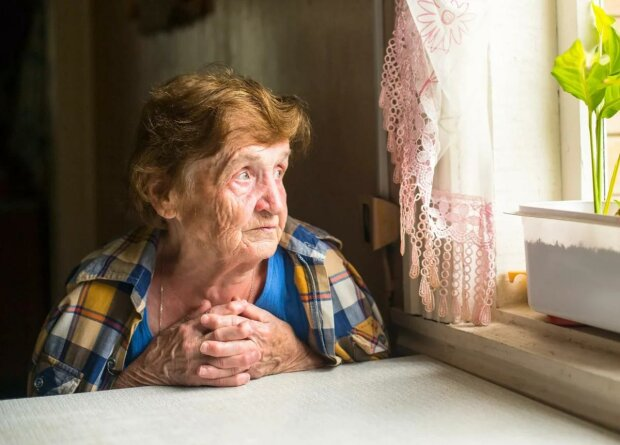 """Пенсионный """"бум"""" от Зеленского: женщины имеют шанс пойти на заслуженный отдых раньше, детали"""