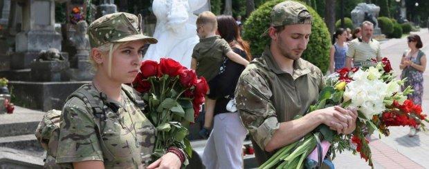 У Львові вшанували пам'ять Василя Сліпака: втрачаємо найкращих, вся Україна схилила голови