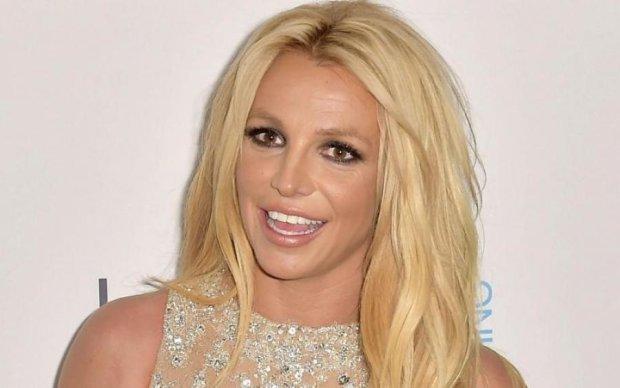 Похудавшая Бритни Спирс взорвала сеть фото в бикини