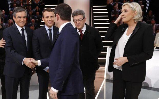 Вибори у Франції: усі кандидати віддали голоси
