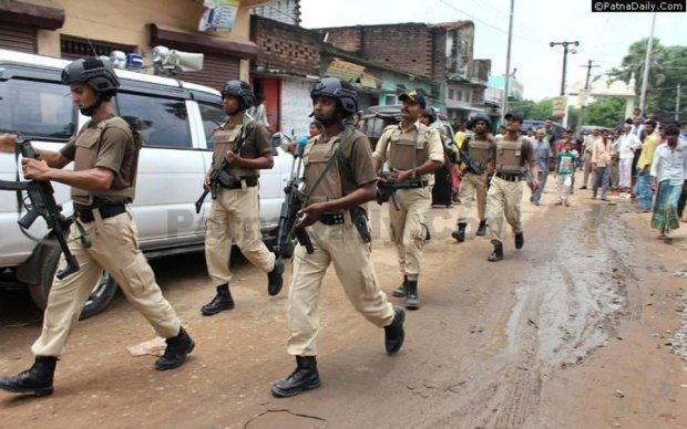 Суцільнометалева оболонка: нові шоломи захистять армію Індії