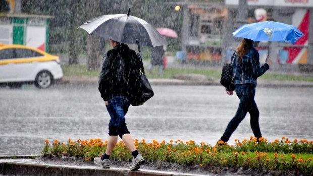 Погода во Львове на 27 июня: стихия посадит украинцев под домашний арест, жара берет выходной