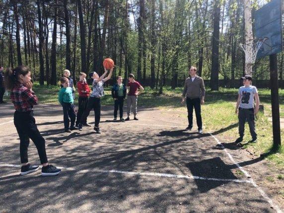 """Команда """"Рідної країни"""" підтримала родини чорнобильців"""