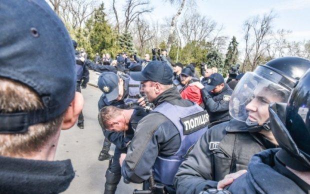 Копи візьмуться за розслідування сутичок в Одесі