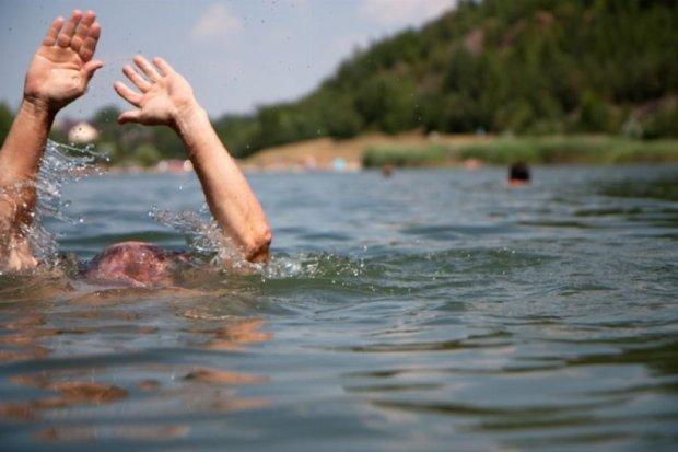 Дві людини втопилися в Києві за вихідні