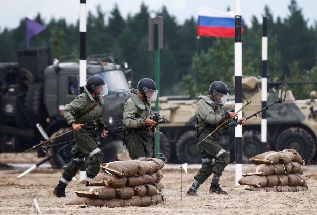 Путин нагнал под украинскую границу свои войска