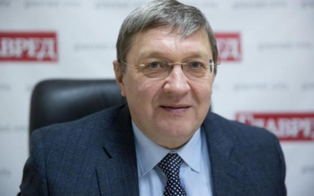 Движение Украины в любой из военных блоков всегда будет ставить нашу страну в оппозицию к тем странам, которые в эти блоки не входят, — Виктор Суслов