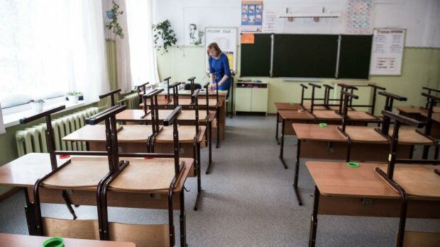 Вчителька в порожньому класі, Известия