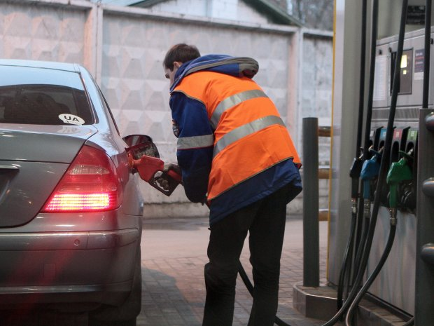 Газ не поможет: новые цены на бензин превратят украинцев в пешеходов