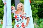 63-річна мама Дана Балана здивувала своєю дівочою фігурою: Тіна Кароль через 30 років