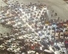 Елка из авто в Киеве, скриншот с видео