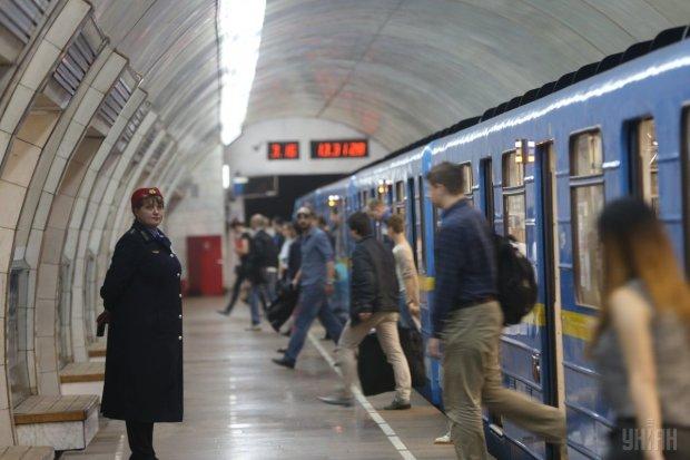 В Киеве закрыли станцию метро без предупреждения