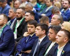 Дмитро Разумков, Facebook