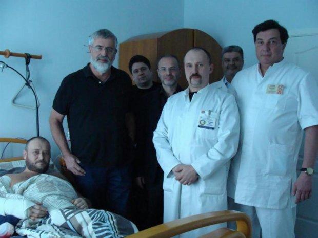 Ярошу зробили шестигодинну операцію на ліктьовому суглобі