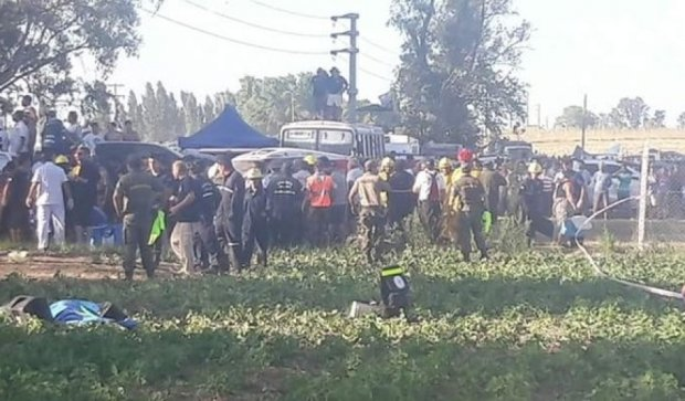 На ралли «Дакар» автомобиль влетел в толпу зрителей (видео)