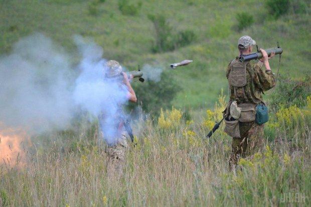 Путінські тварюки на Донбасі озброїлися чимось потужним та руйнівним: відео