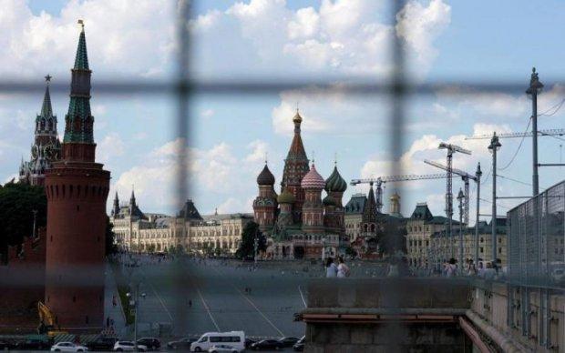 Один підписаний за океаном папірець – і криза в Росії. У Кремлі забігали по кабінетах: це готуються дерибанити Дерипаску, - російський політик